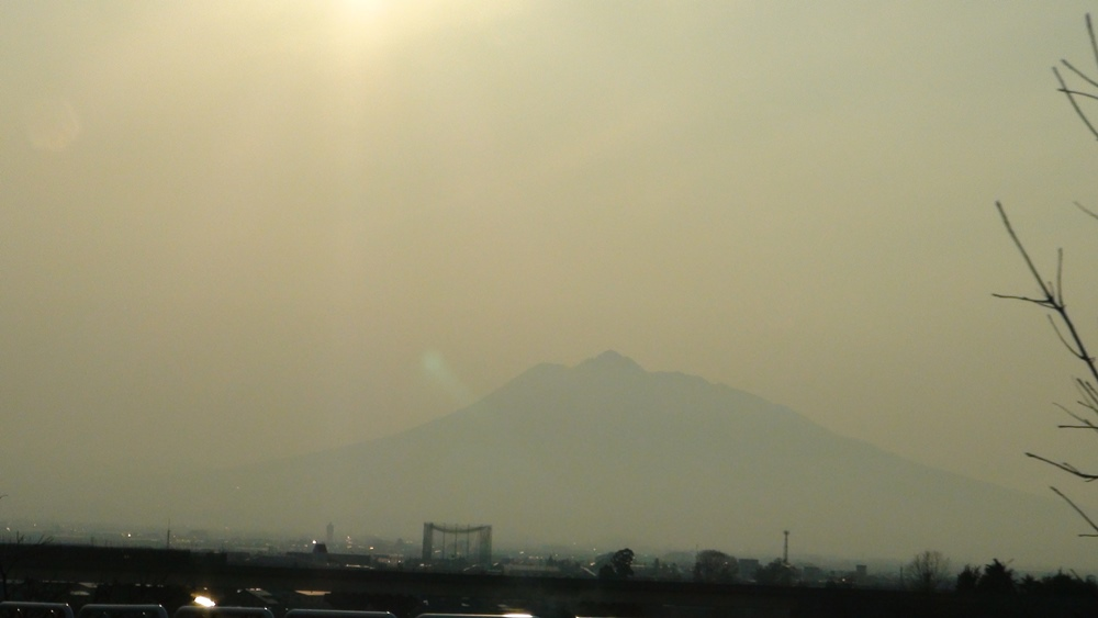 八甲田ツアー後の岩木山を