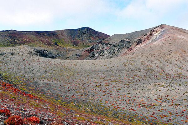 岩手山山頂御鉢の紅葉