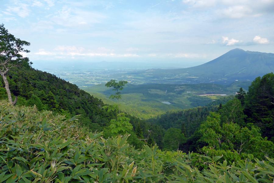 新ルート屋棟岳と大黒森鞍部から岩手山