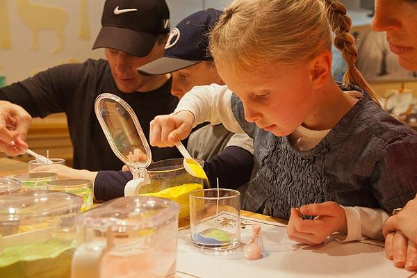 自然学校創作体験コーナー