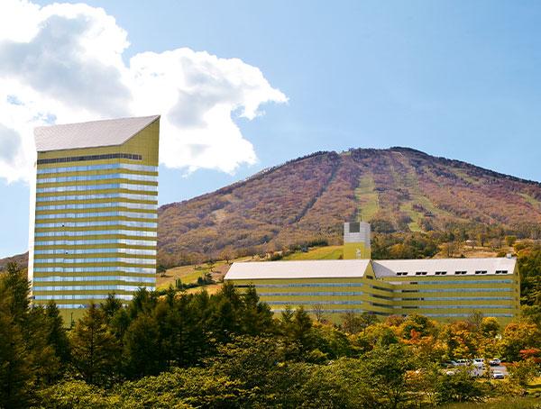 秋のホテル安比グランド本館&タワー